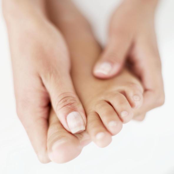 سرد بودن دست ها و پاها - دلایل احساس سرما