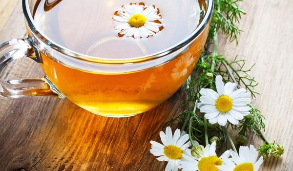 چای بابونه برای درمان خارش و قرمزی جای نیش پشه