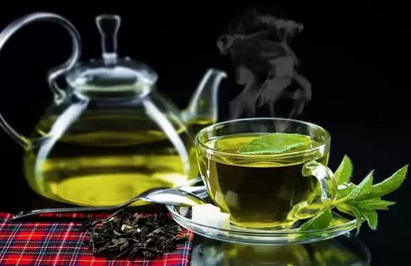 کیسه چای سبز برای از بین بردن گوشت اضافه مفید است