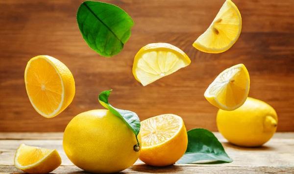 درمان جای نیش پشه با لیمو