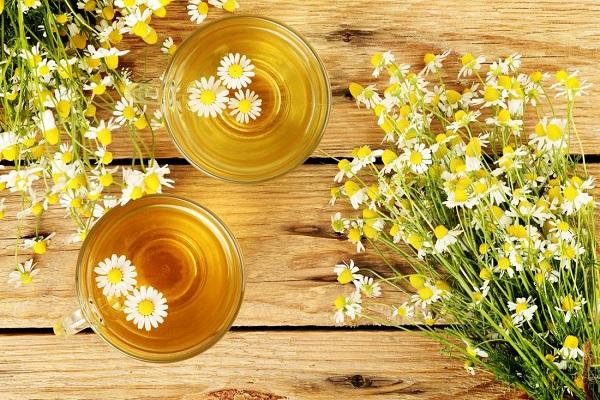استفاده از چای بابونه برای درمان آفت دهان