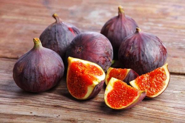 مصرف انجیر برای بهبود سلامت گوارش مفید است