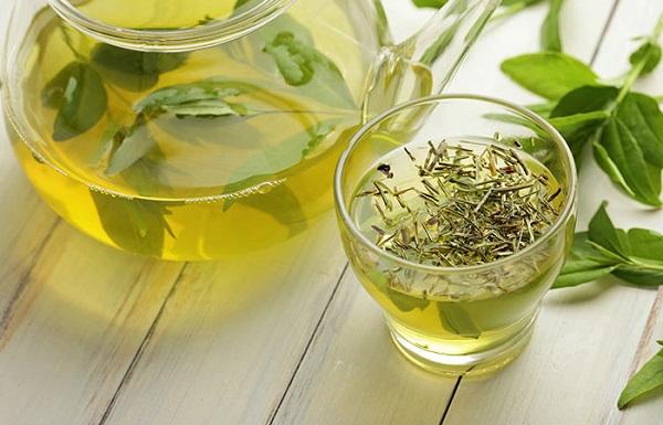 چای سبز برای رفع تب خال