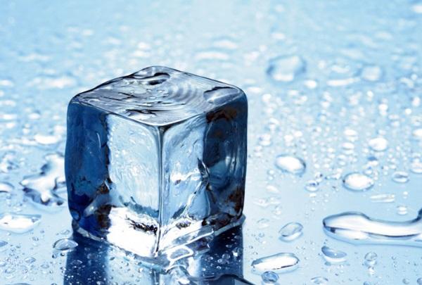 یخ برای رفع تب خال