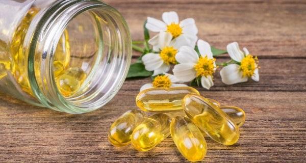 روغن ویتامین E برای رفع ترک های پوستی