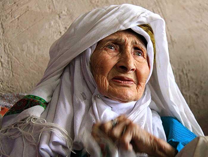 تعبیر خواب بغل کردن مادربزرگ