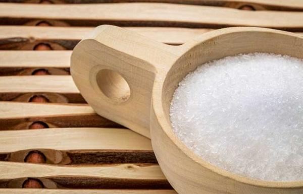 نمک اپسوم برای رفع جوش های پشت و شانه