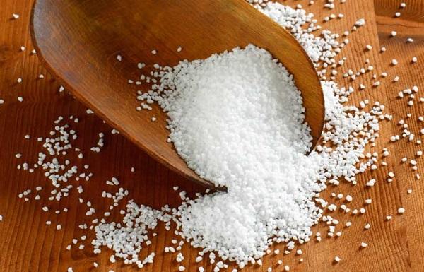 نمک اپسوم برای رفع بوی بد پا