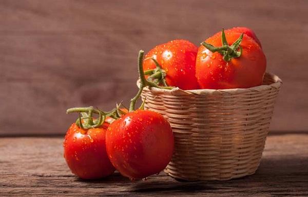 گوجه فرنگی برای رفع میلیا