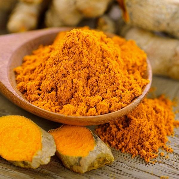 زردچوبه برای درمان قارچ های پوستی یا درماتوفیتوز