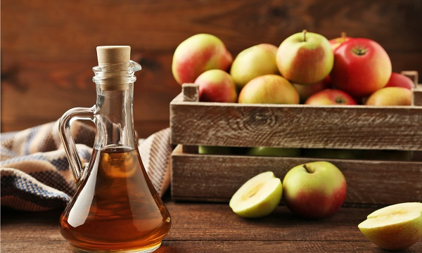 تاثیر سرکه سیب طبیعی برای درمان کک و مک