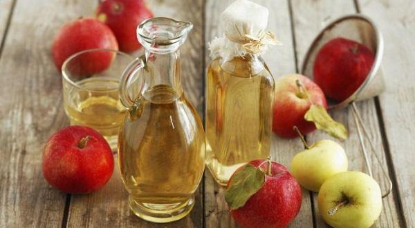 سرکه سیب طبیعی برای درمان درماتیت سبوره