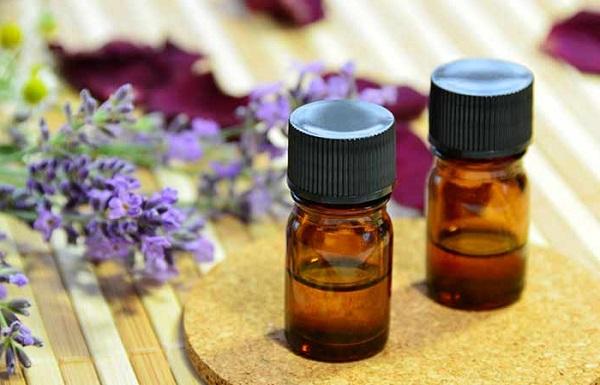 روغن اسطوخودوس برای درمان قارچ های پوستی یا درماتوفیتوز