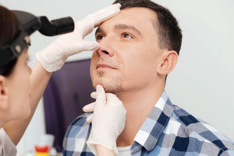 انجام جراحی زیبایی بینی به عهده چه کسانی است