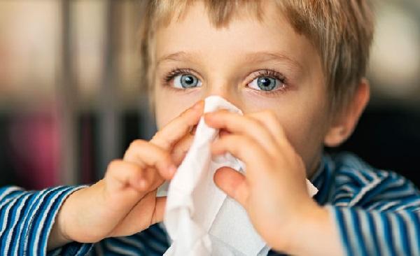 علت آبریزش کودک,درمان های سریع و فوری برای آبریزش بینی