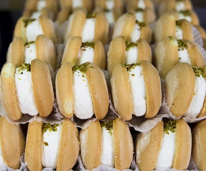 طرز تهیه شیرینی لطیفه و آموزش مرحله به مرحله تهیه شیرینی لطیفه خامه ای